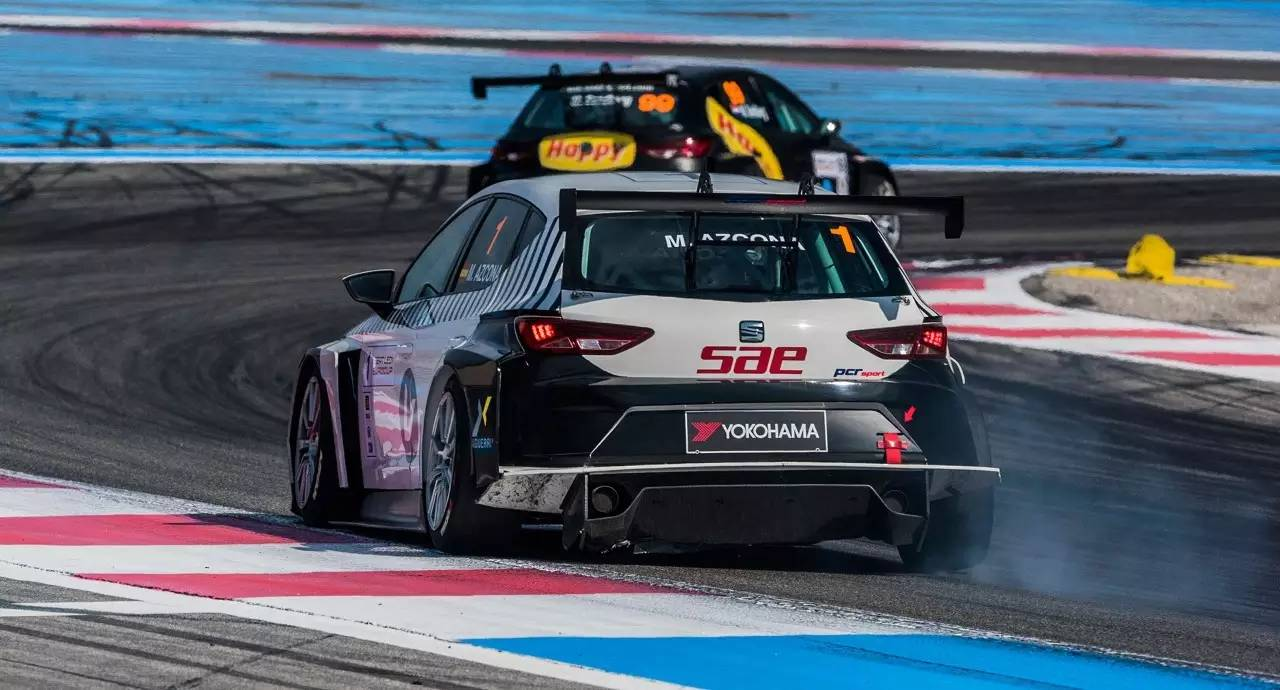 The Seat Leon Eurocup 2016 is being complicated for SAE Audio